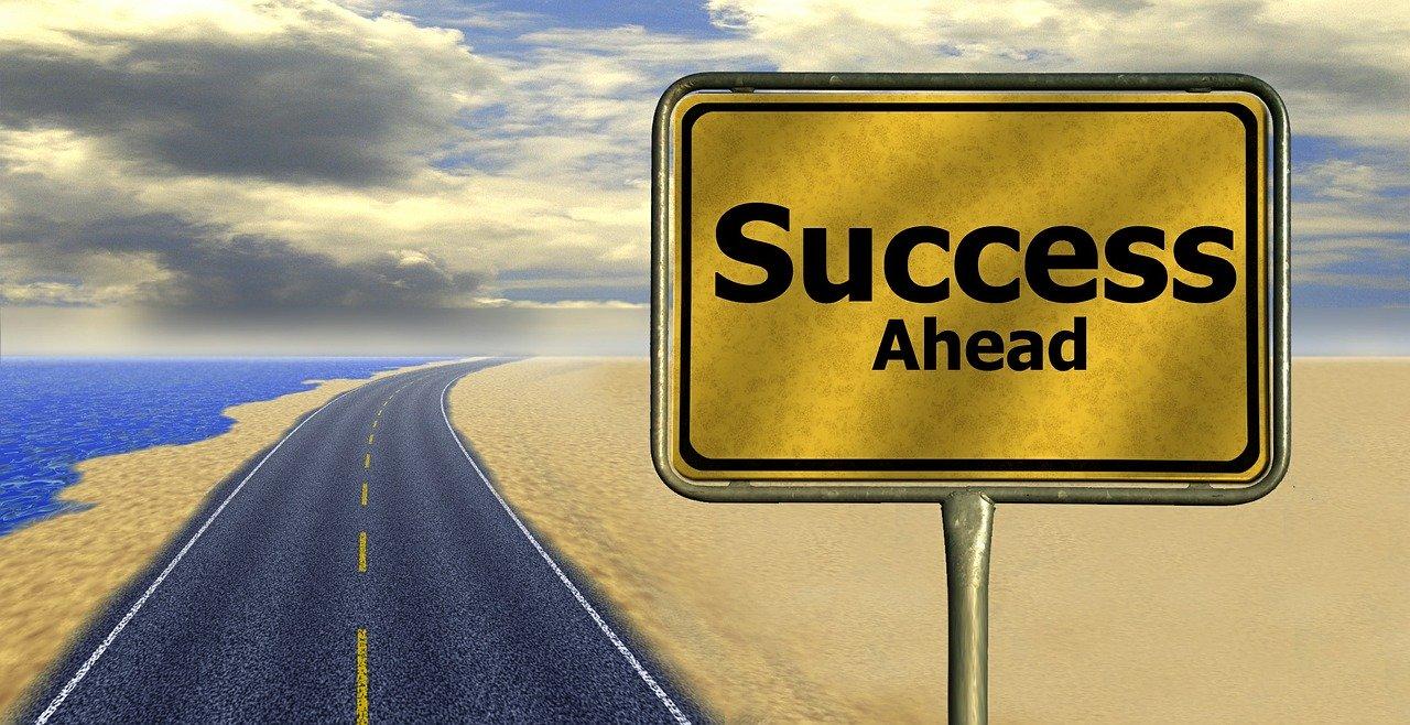 En avant vers le succès